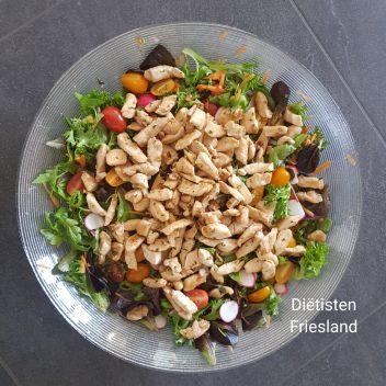Salade kip noten