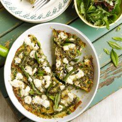 Frittata met groene groenten en geitenkaas