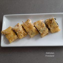 Borrelhapje: omeletrolletjes met zalmmayonaise