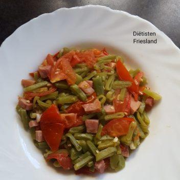 Snijbonen met bacon en tomaat